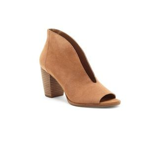 Lucky Brand Joal V Throat Shooties